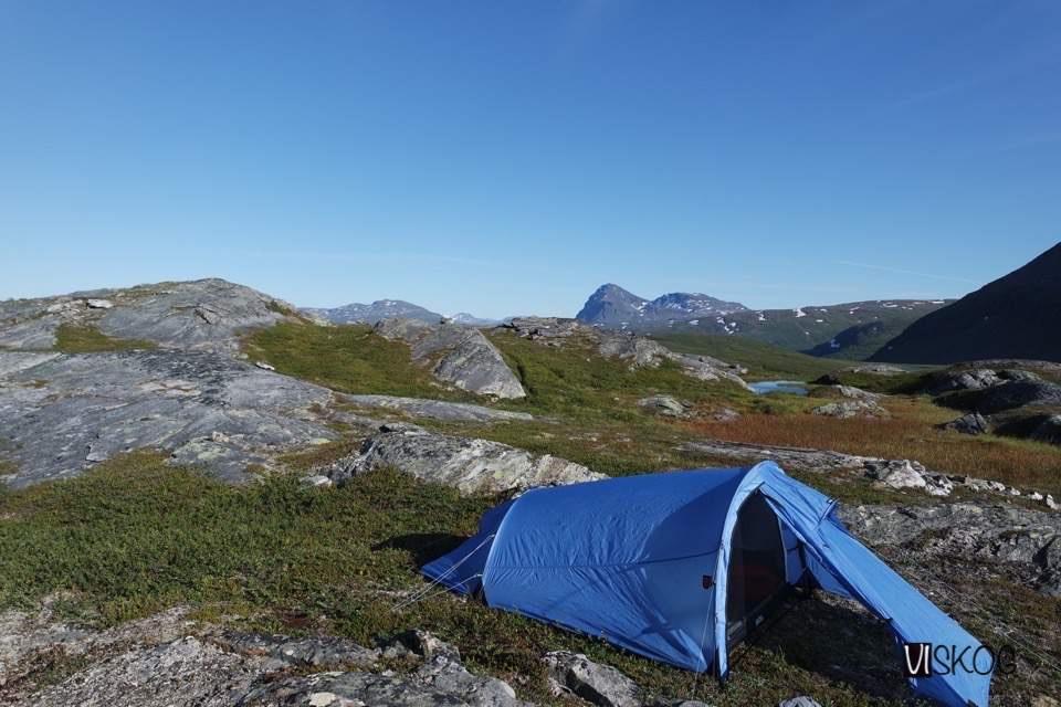 Flott teltplass, med mye utsikt
